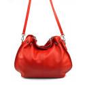 Kožená luxusní sytě červená crossbody kabelka do ruky i přes rameno lorreine