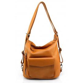 Prostorná moderní hnědá camel kožená kabelka a batoh 2v1 Karin 2v1