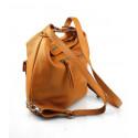Praktická kožená větší hnědá camel kabelka a batoh 2v1 Karin