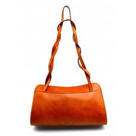 Menší luxusní koňakově hnědá  kožená kabelka přes rameno Lesly